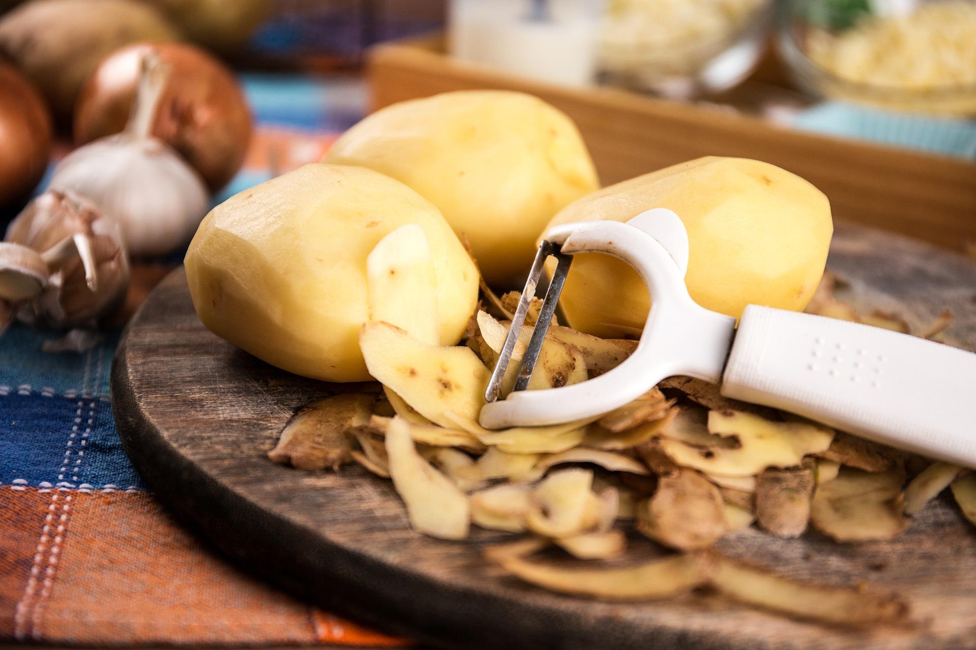 Kartoffelmuffins mit Hähnchen und Käse