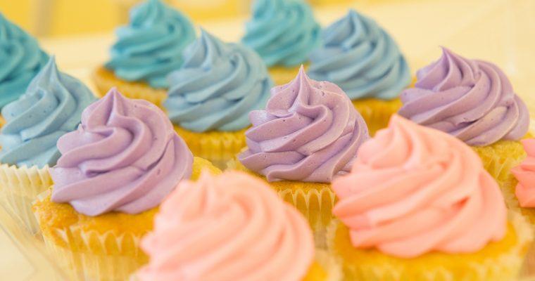 So verzierst Du Kuchen und Cupcakes