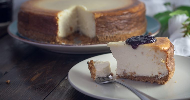Double Cheesecake mit Karamell- und Schokoguss