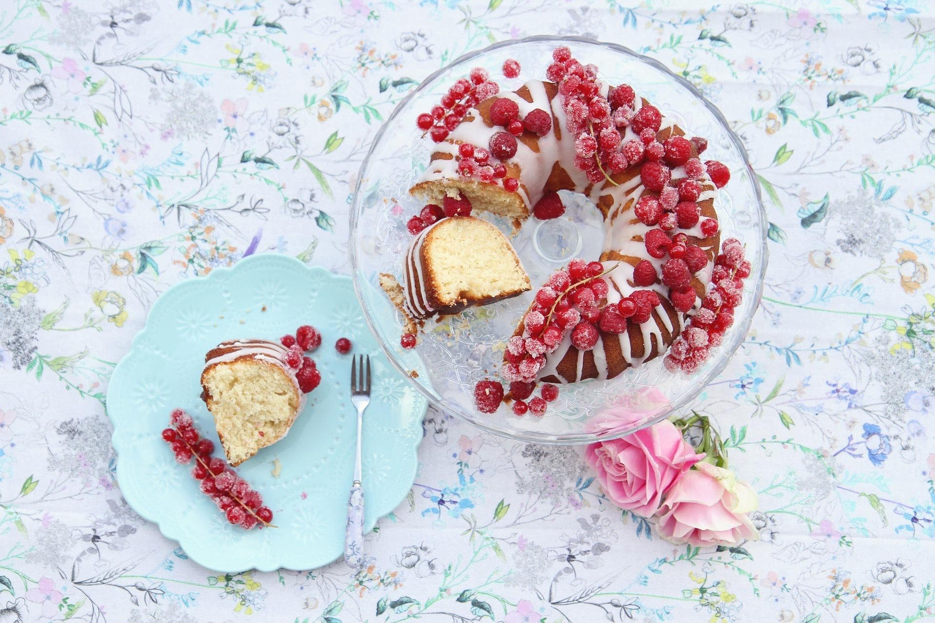 Weisser Himbeer-Schokoladenkuchen