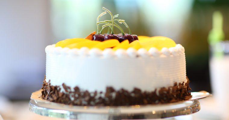 Fruchtige Joghurt – Küsschen – Torte