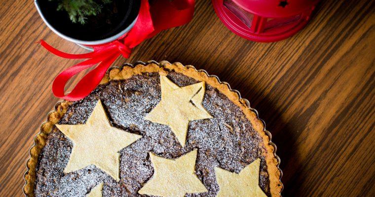 Weihnachtskuchen mit Glühwein und Lebkuchengewürz
